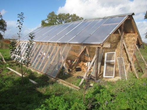 Construction maison en paille bioclimatique ventana blog - Construire une maison en terre ...